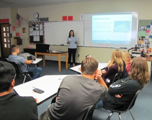 Warsaw ag students learn about pig farming