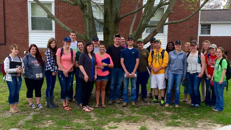 Wilmington College Students Learn About Swine Careers