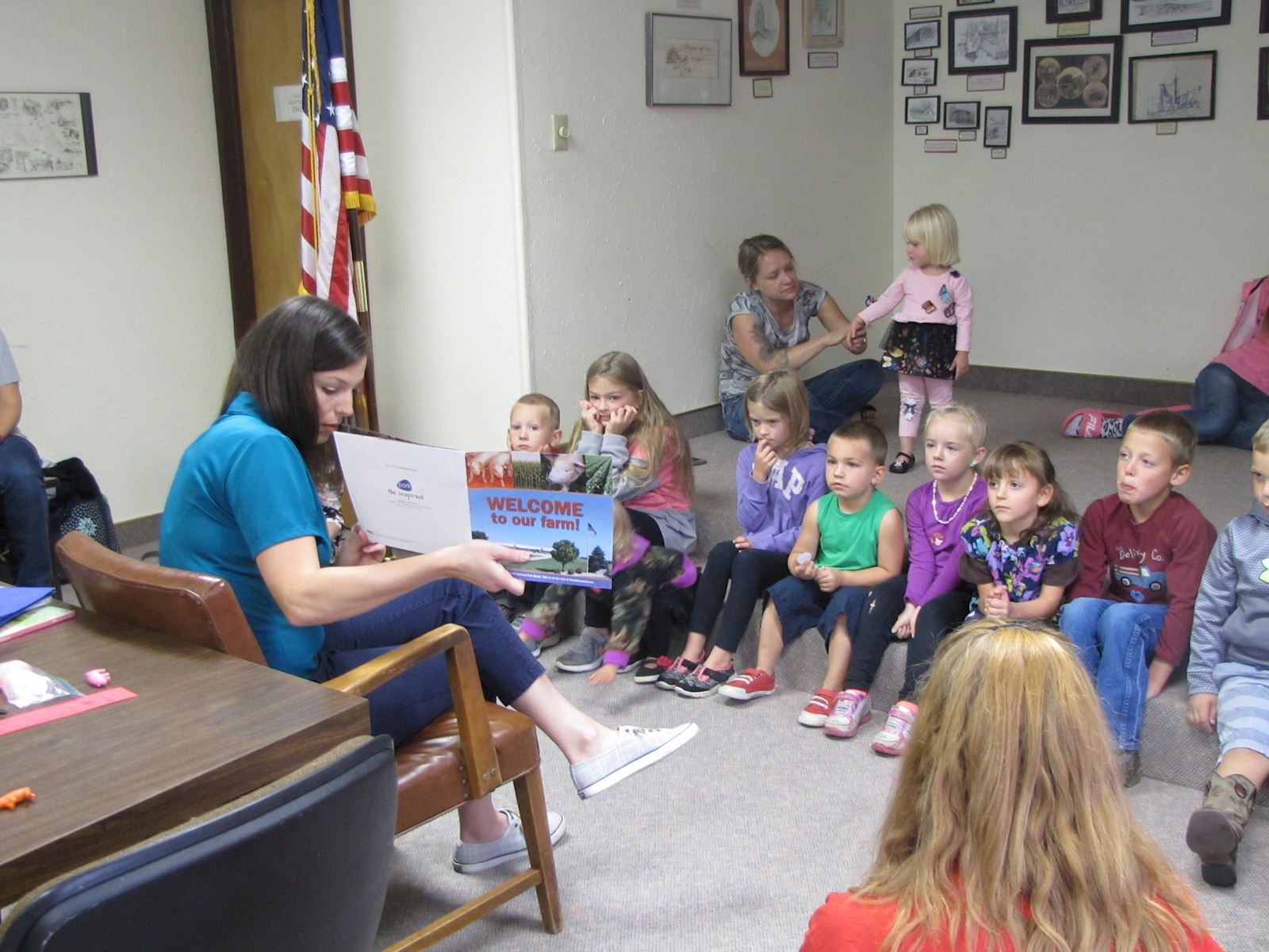AMVC piglets visit Wheatland Library