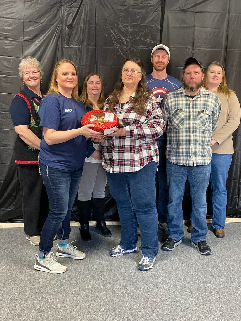 AMVC donates ham to 4-H leaders